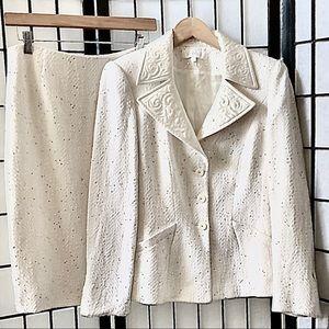 Escada Ivory Tweed Sequin Brocade Collar Suit 8